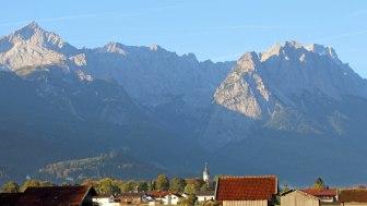 Autumn panorama in Garmisch-Partenkirchen, © Markt Garmisch-Partenkirchen - Foto Gulbe