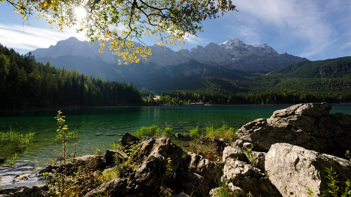 Lake Eibsee with mountain view, © Tourist-Infomation - Fotograf Ehn