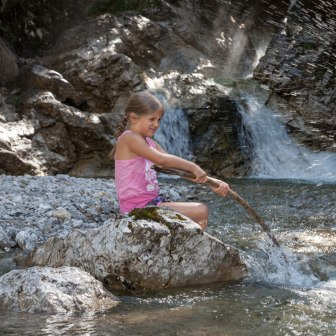Kinder im Wasser, © Touristinformation Grainau - Foto Bäck