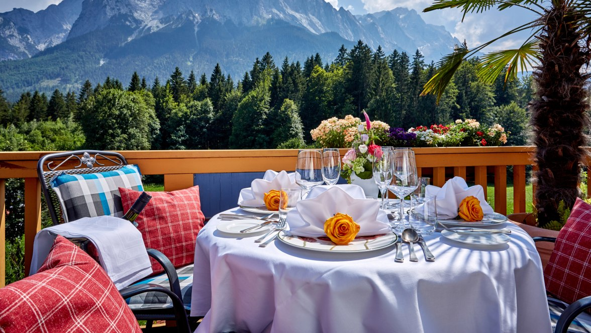 Gedeckter Tisch , © Romantikhotel Waxenstein - Gilsdorf